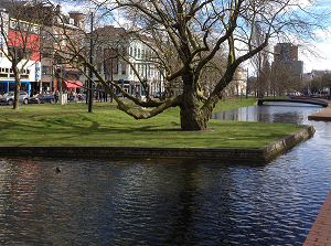 A photograph of Westersingel - beautiful canal and water storage reservoir