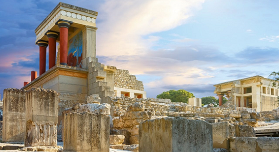A photograph of the Knossos archaeological site, Heraklion area, Chania, Greece. Source: Vasiahotels.gr.