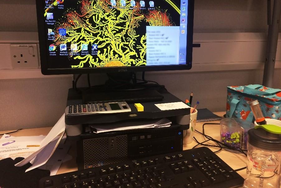 organise-office-desk