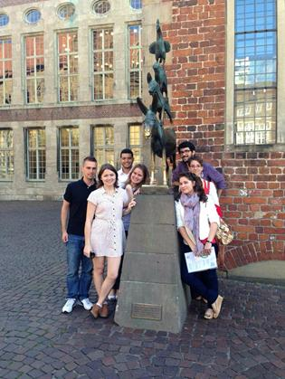By the Bremer Musikanten statue