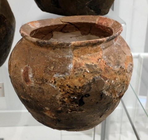 Cooking pot found at Keighton, late 14th-15th century. University of Nottingham Museum. Credit