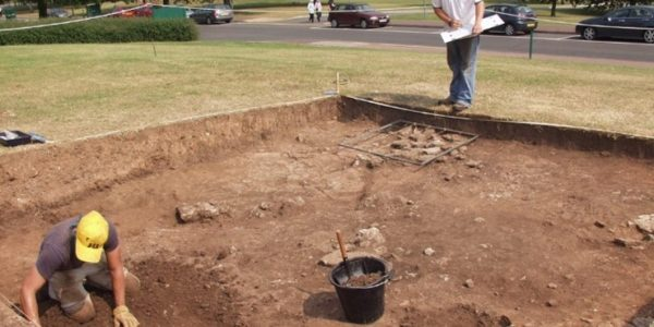 Two students excavating Keighton Hill in 2006, supervised by Lloyd Laing. Credit: University of Nottingham Museum.