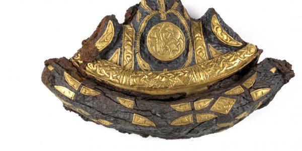 Gold sword pommel