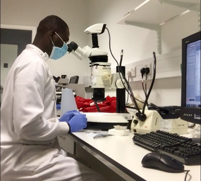 Gavers Oppong in the lab