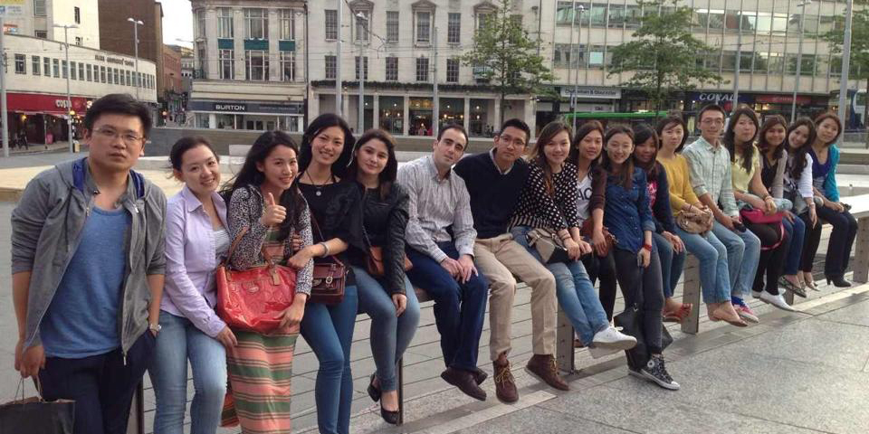 Discovering Nottingham with a group of international students