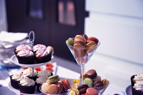 Macaroons and cupcakes