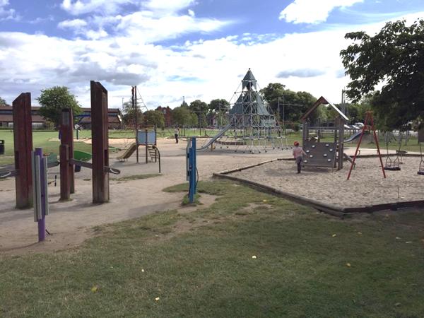 playground 600x450