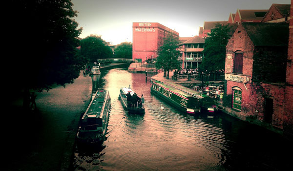 A view of Nottingham Canal near the Nottingham railway station