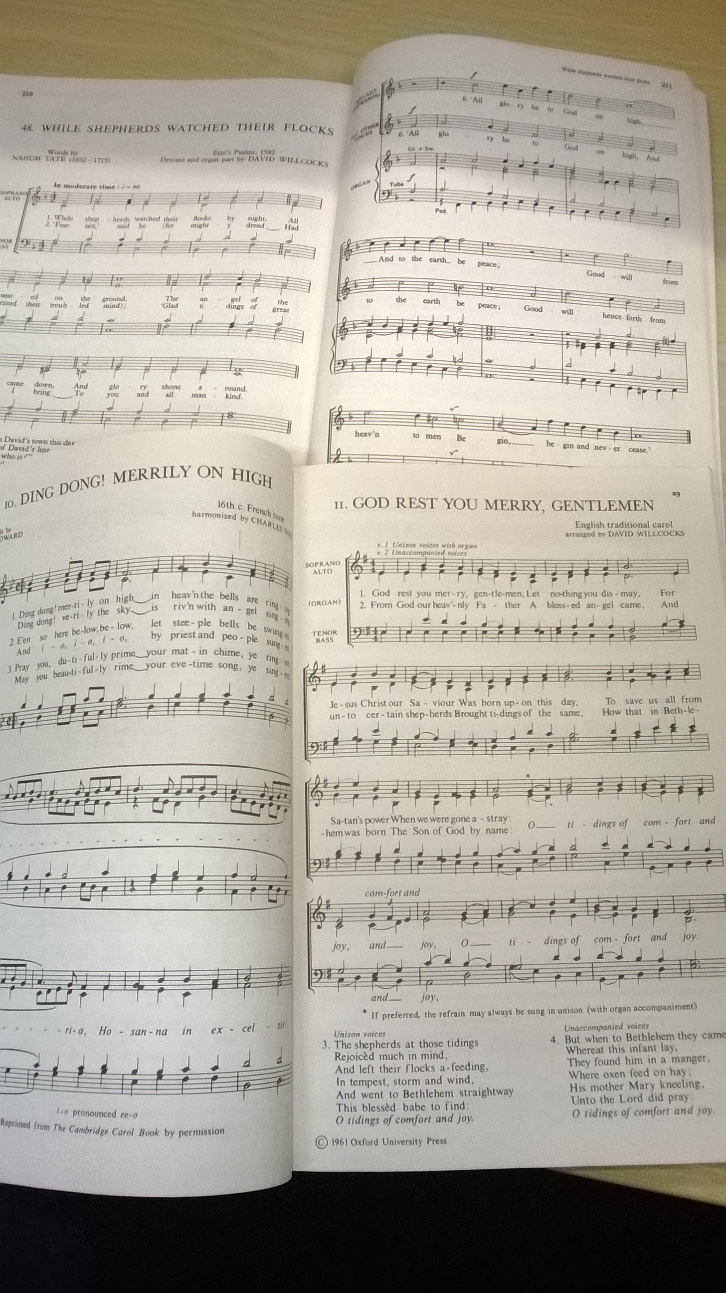 Inside Carols for Choirs volumes 1 and 2