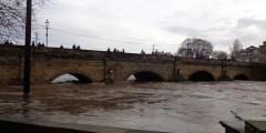 Wetherby_Bridge_during_the_December_2015_floods_(26th_December_2015)_001