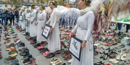 'Climate Guardian Angels' between shoes in Paris, Martin Kaul, journalist, TAZ, tweeted 29 November, 2015