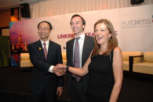 (left to right) Thailand's Minister of Science and Technology Dr Pichet Durongkaveroj, EU ambassador to Thailand Jesús Miguel Sanz and Dr Anna Karaoglou of Directorate-General Research & Innovation, European Commission, Brussels.