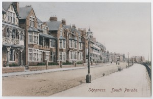 Postcard showing South Parade, Skegness, Lincolnshire, c.1905 (Ref: La Phot 2/166)