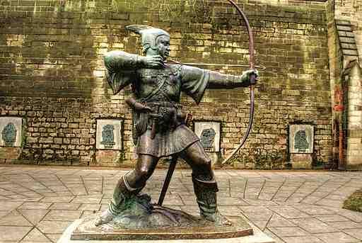https://commons.wikimedia.org/wiki/File%3ARobin_Hood_statue%2C_Nottingham_Castle%2C_England-13March2010.jpg
