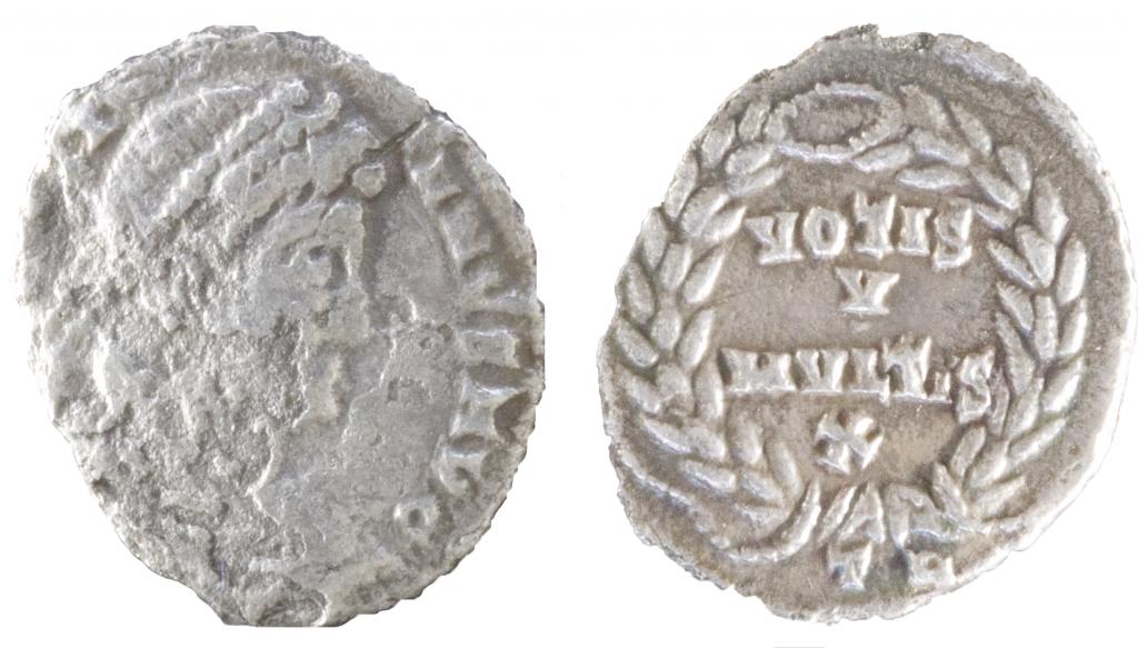 AR Siliqua of Julian II. Obverse has [DN CL IVLI]-ANVS AVG; diademed bust r. Reverse has wreath with legend VOTIS / V / MVLTIS X; TR in ex. 1.31g, 17mm, 6 o'clock.