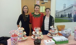 Catherine, Victoria and Marianne at the Be A Sweet Neighbour Stand