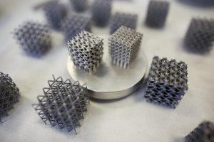 3D-printed metal lattice material