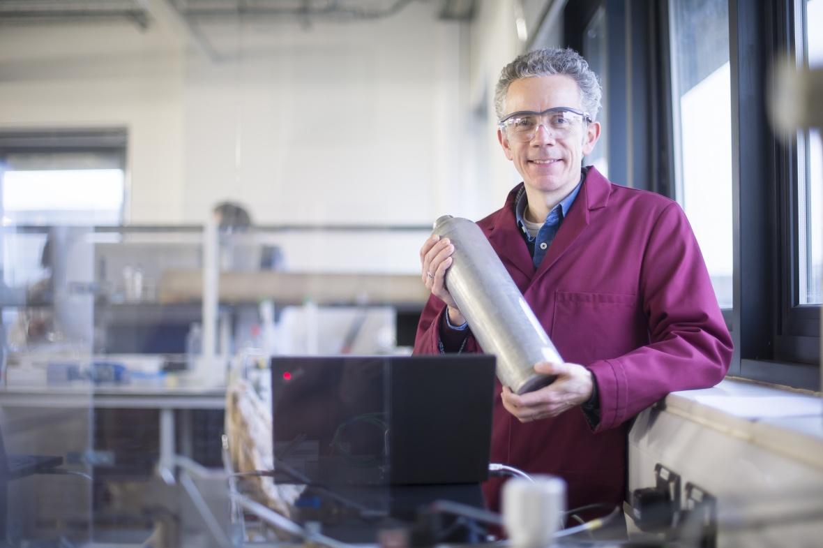Gavin Walker leads the CDT for Sustainable Hydrogen