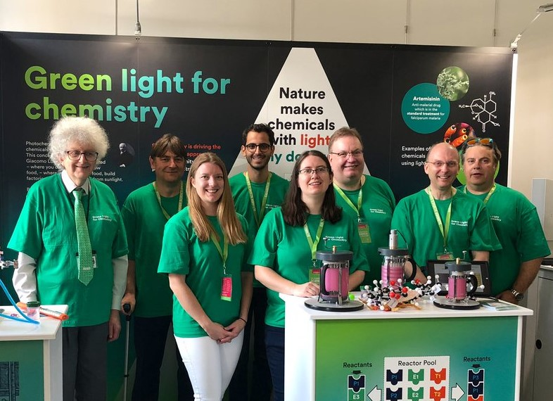 'Green light for Chemistry' team at #SummerScience 2019