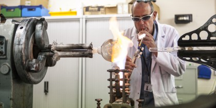 Clive Dixon Glassblowing in the Faculty of Science