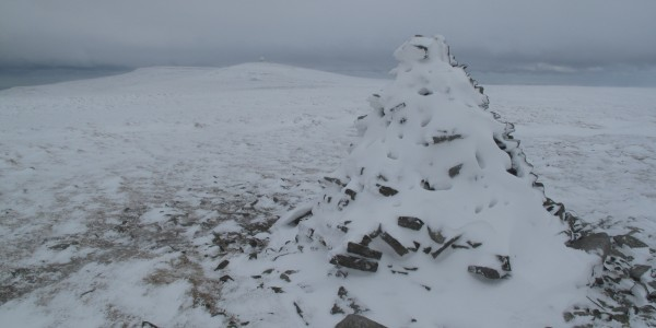 Cairn on the approach to the summit of Great Dun Fell, February 2013