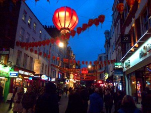 Walking through Chinatown (a little bit lost)-  so busy!