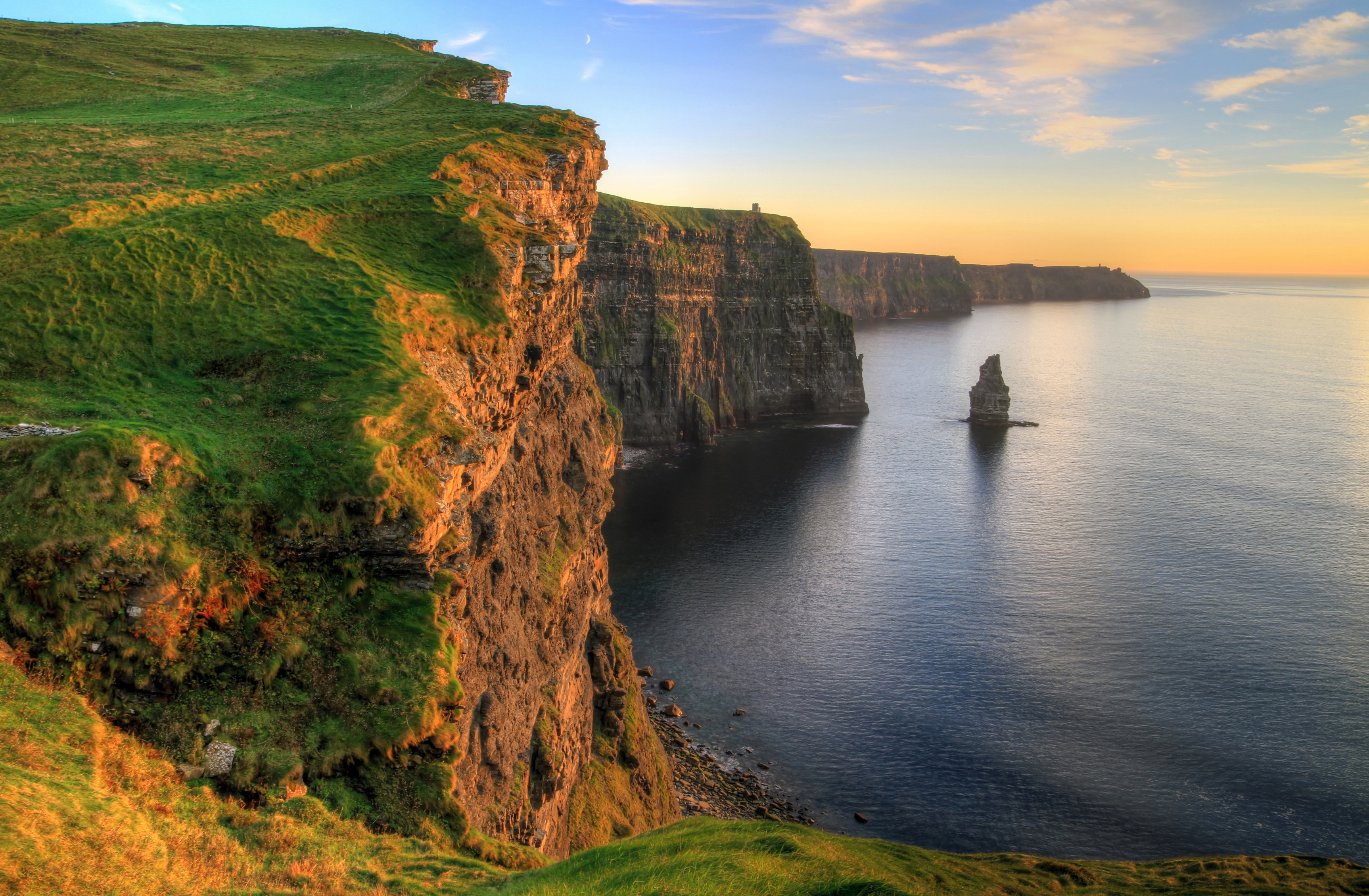 4 top backpacking destinations to beat the exam blues student life - Cliffs of moher pictures ...
