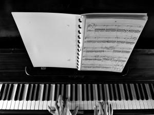 piano-926851_960_720