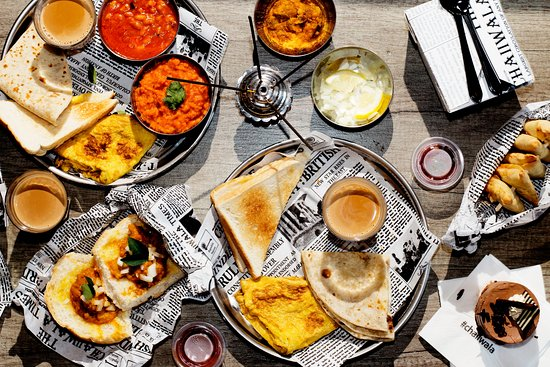 Best Restaraunt deals - an image of a spread of food and drinks