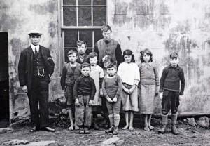 The school children of St Kilda in 1927