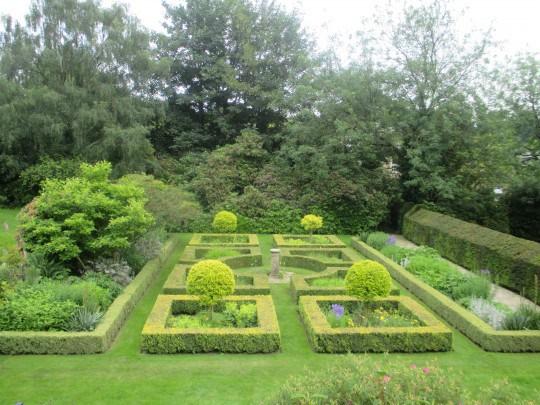 The Jekyll Garden